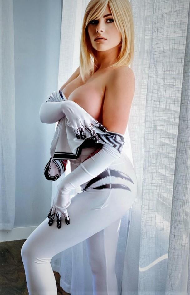 nude cosplay
